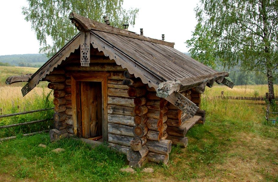Не просто украшение: зачем на крыше русской избы вырезали фигуры коня и других животных