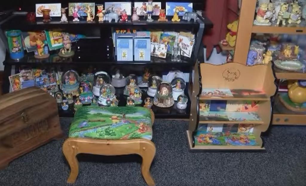Поклонница Винни-Пуха собрала коллекцию из 16 147 предметов с его изображением и планирует попасть в Книгу рекордов Гиннесса