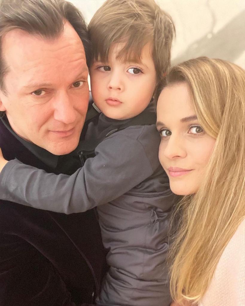 Несмотря на разницу в возрасте, они счастливы: молодая жена Игоря Миркубанова