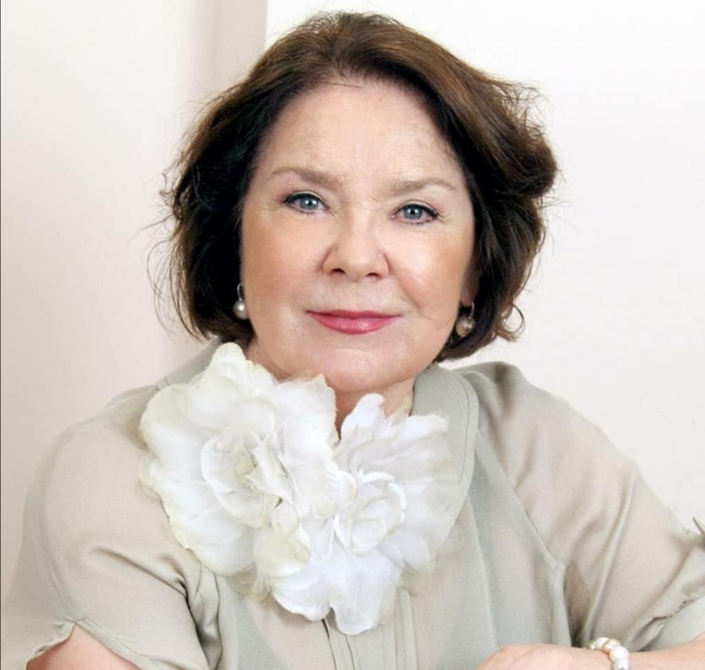 """""""Чем меньше романов, тем женщина моложе выглядит"""": 81-летняя Лариса Голубкина доказывает собственную цитату своим примером"""