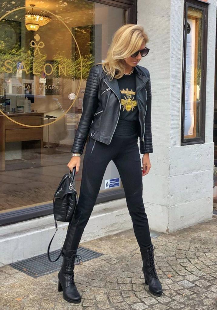 Тандем тенденций и классики: как грамотно сочетать разные стили весной-2021 женщинам за 50 (на примере модных блогеров)
