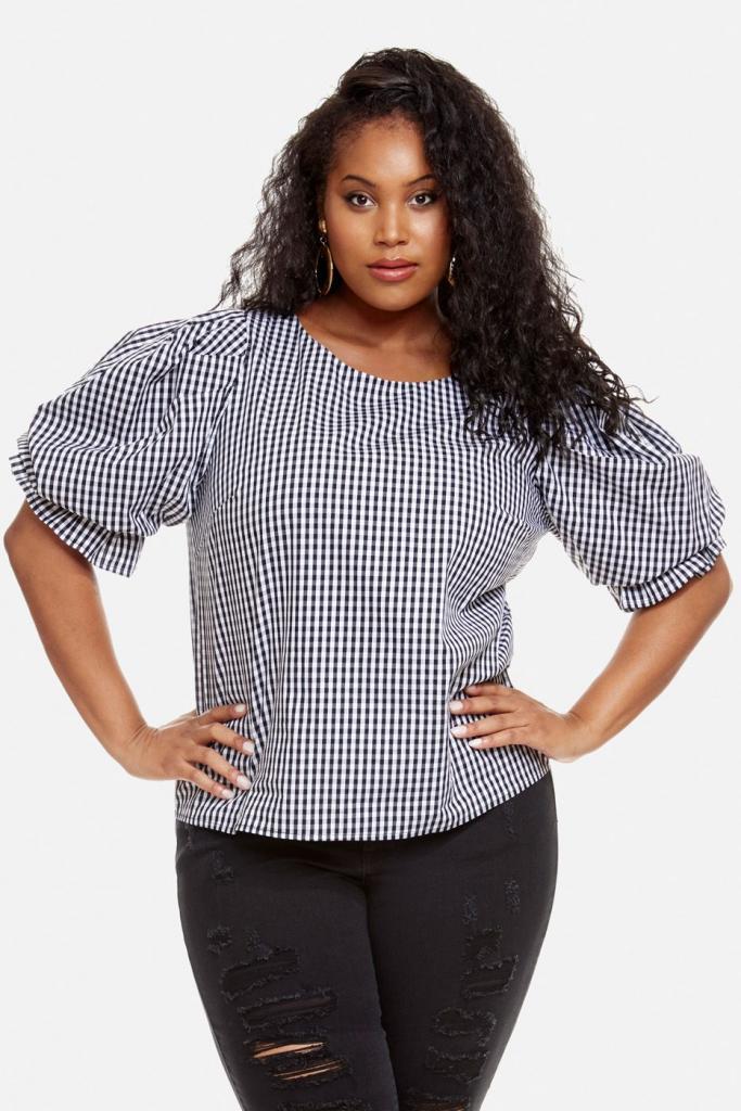 С пышными рукавами, на кулиске, с V-образным вырезом: 9 моделей актуальных блузок для дам с пышными формами
