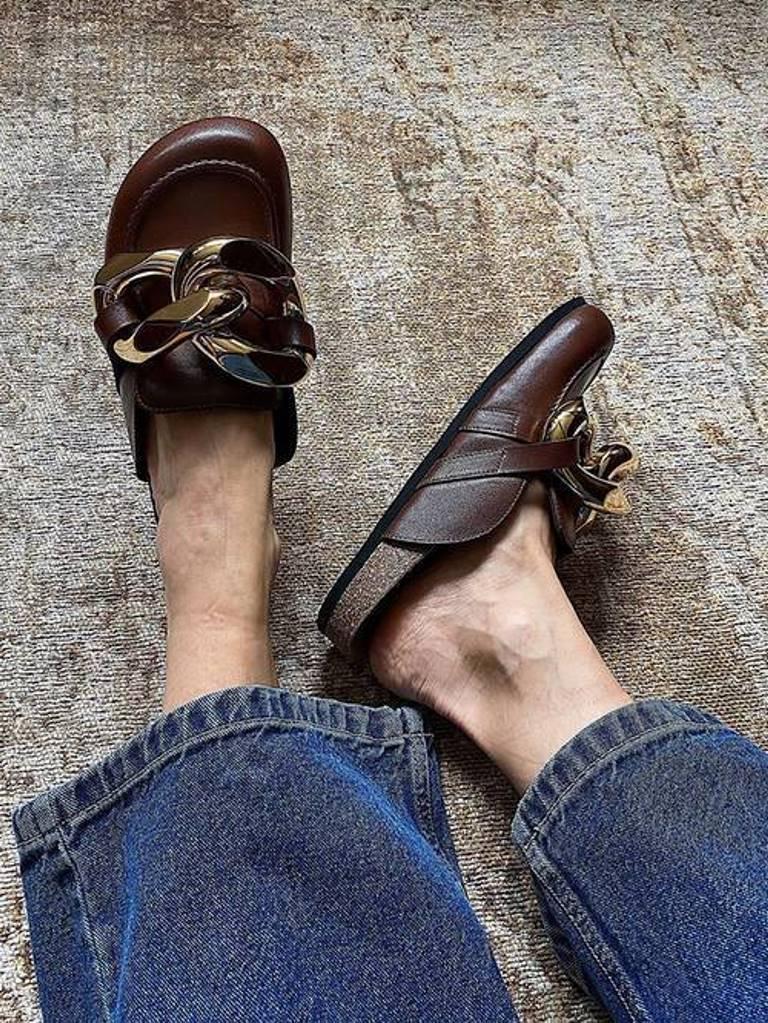 Мюли, лоферы, креативные балетки: 5 видов обуви на низком ходу на весну-2021