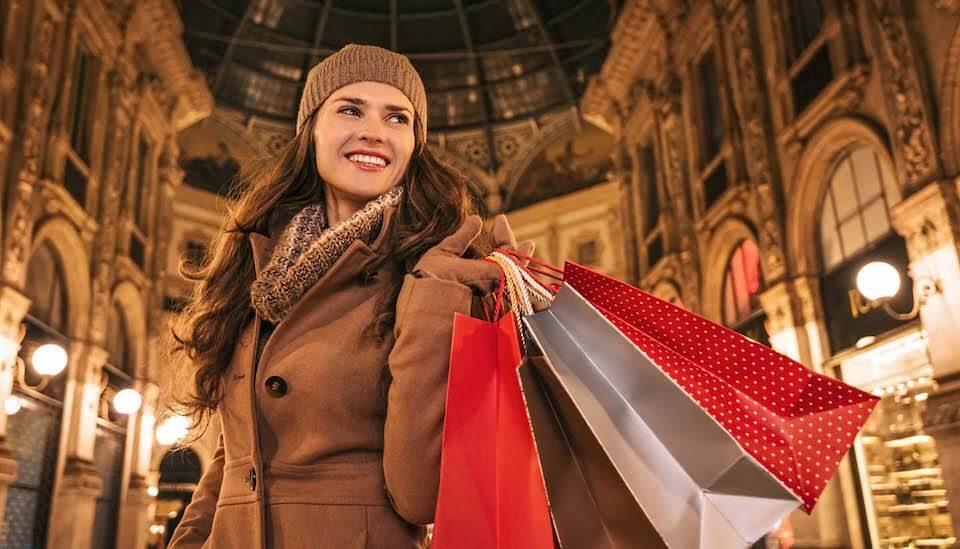 Аналитики AliExpress выяснили, как шопинг способен влиять на чувство счастья у россиян