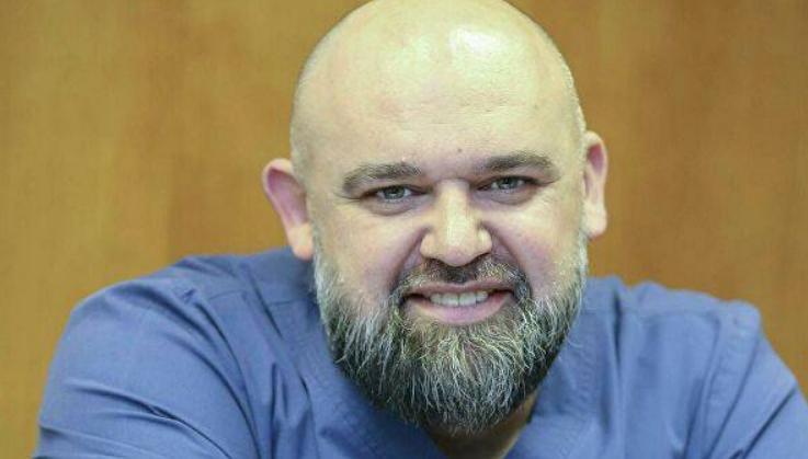 Главврач Коммунарки Проценко рассказал, что не видеть родителей - самое сложное в его борьбе с коронавирусом
