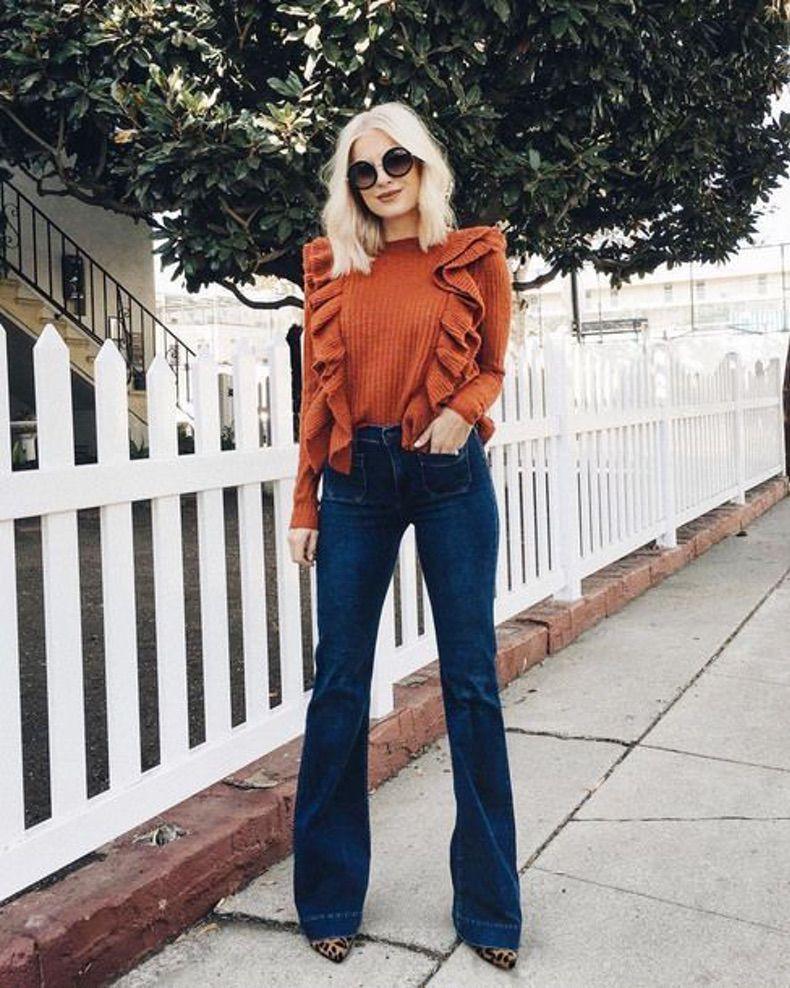 Расклешенные джинсы этой весной носят женщины всех возрастов: идеальные модели обуви под трендовые модели