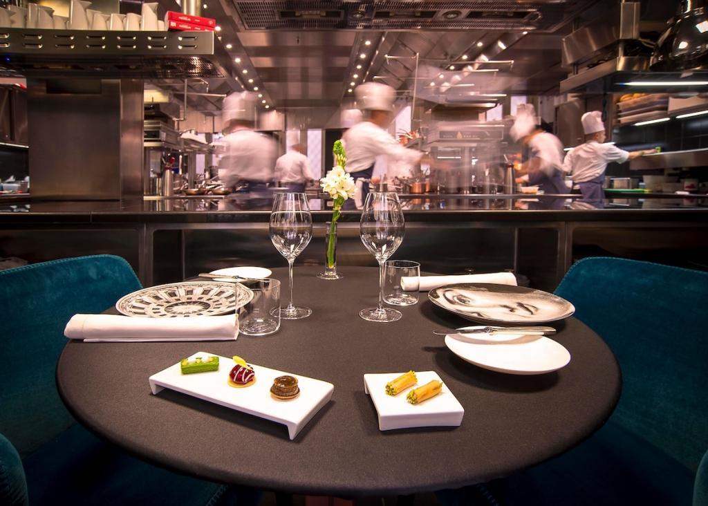 Самый известный в мире ресторанный гид «Мишлен» впервые пройдет в Москве в 2021 году