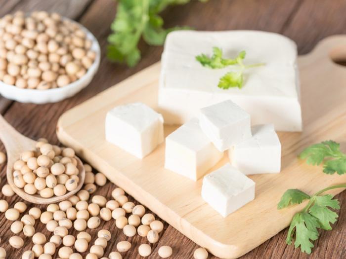 Сидеть на голодной диете не нужно: 10 белковых продуктов в рационе, которые помогут сбросить вес