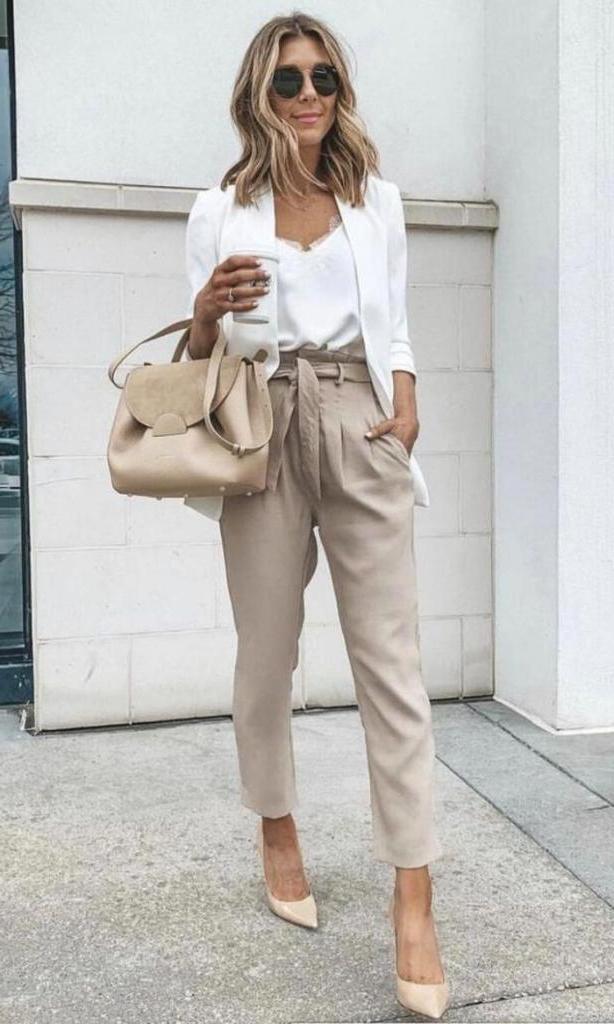 Весна – это время для смены имиджа: как одеваться модно и стильно женщинам зрелого возраста в соответствии с тенденциями сезона
