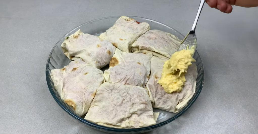 Вкус скумбрии раскроется по-новому даже для тех, кто пробовал ее во всех вариациях: рыбу нужно завернуть в лаваш