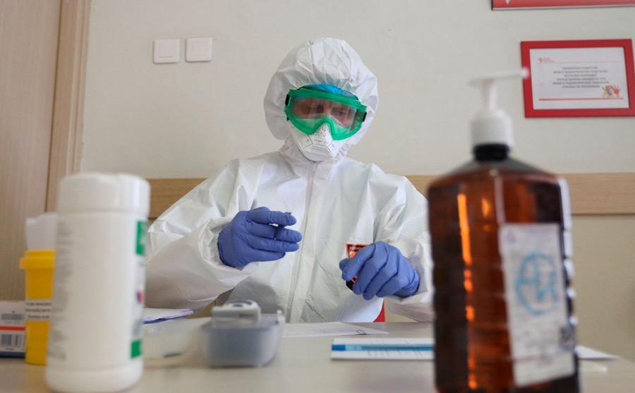 Татьяна Голикова потребовала обеспечить коллективный иммунитет к COVID-19 к концу лета, но считает неправильным введение обязательной вакцинации
