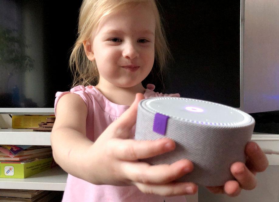 Исследователи выяснили, что дети склонны воспринимать виртуальных голосовых помощников как живых существ