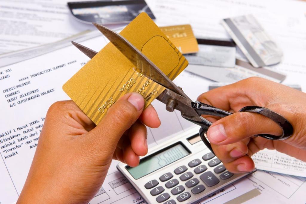 Задолженность по кредитным картам у россиян достигла рекордных 150 млрд рублей