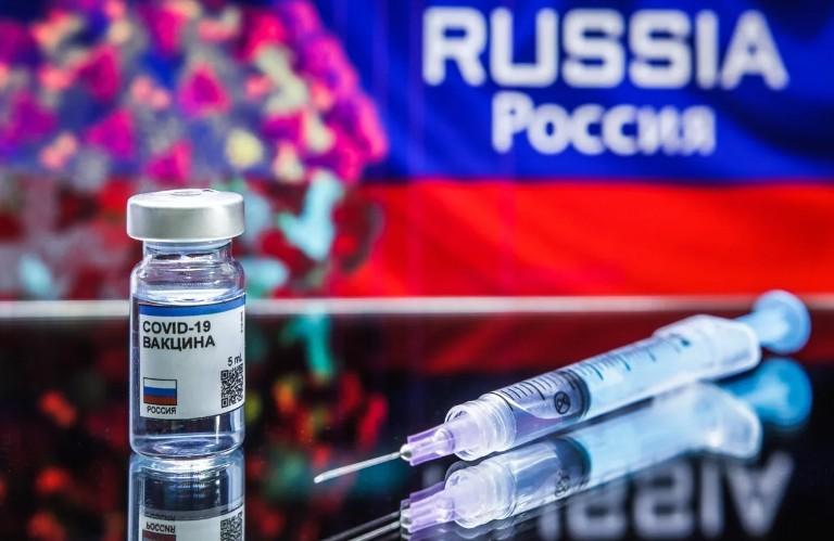 """«Спутник V» - единственная вакцина, у которой есть своя страница в «Фейсбуке», канал в """"Ютубе"""" и ник в «Твиттере»"""