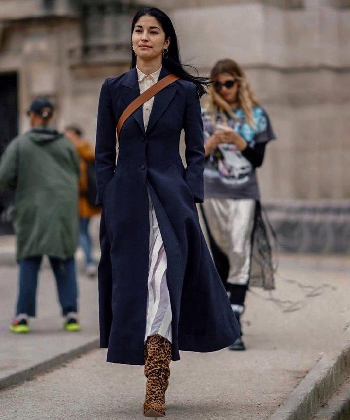Длина макси и с принтом: тредовые модели верхней одежды весны и стильные образы