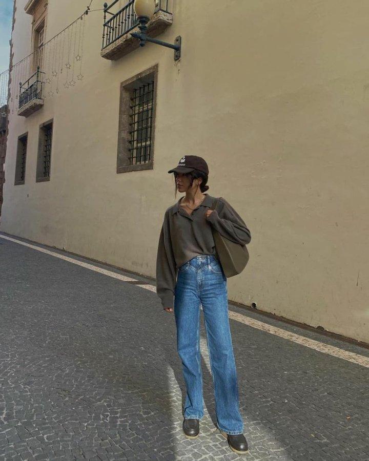 Джемпер с воротником поло – трендовая вещь этой весны: с чем его носить (на примере инстаграм-звезд)