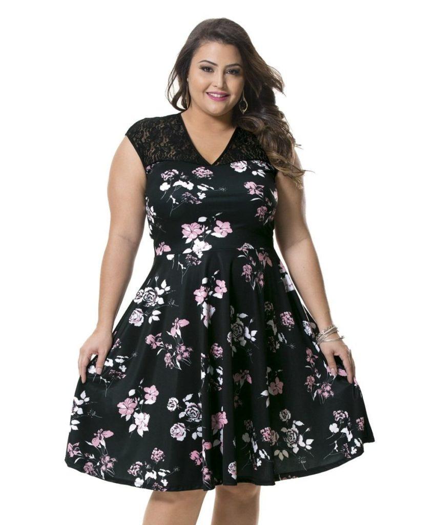 Когда размер — не повод для ограничений: как выбрать и носить трендовое принтованное платье дамам с формами