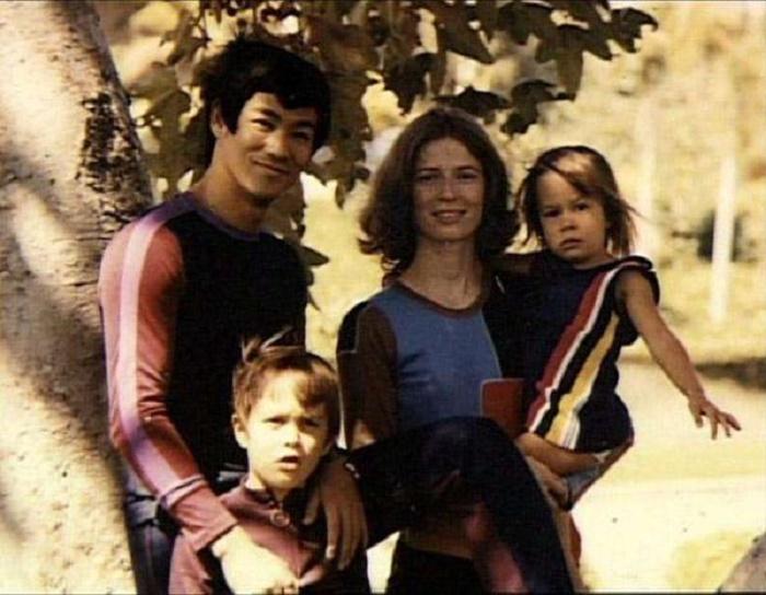 Почему Брюс Ли считал, что не нужно покупать детям все то, чего не было у вас