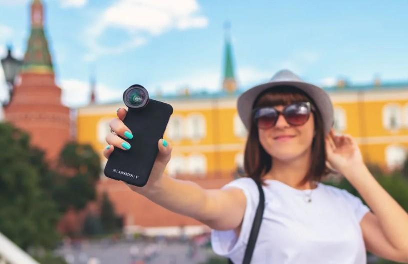 Постоянные селфи и самовосхваление в социальных сетях означают низкую самооценку: ученые об уязвимом нарциссизме