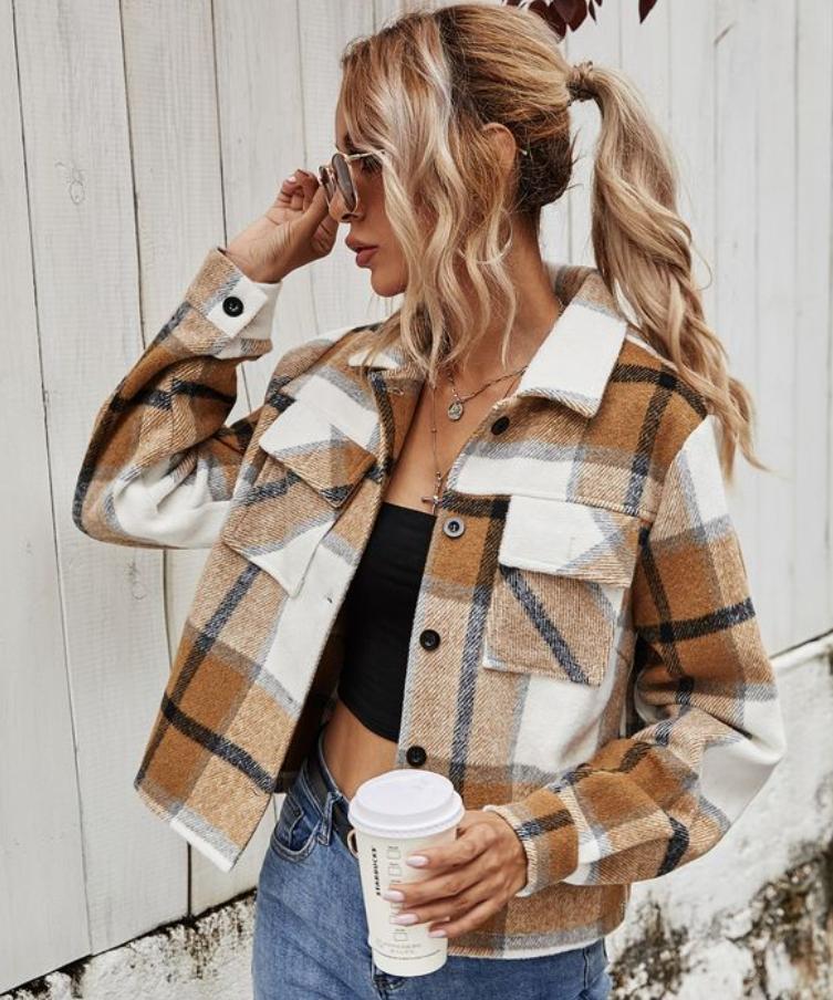 У самых трендовых курток весны есть одна общая черта - они короткие: зато выбор фактур, моделей и цветов не ограничен
