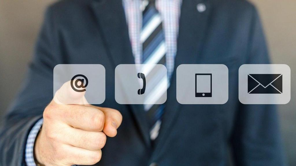 Исследование показало, что современные смартфоны передают личные данные пользователей в среднем каждые 4,5 минуты
