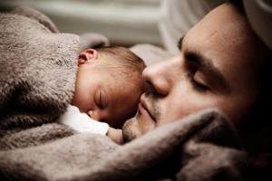У отцов тоже есть послеродовая депрессия, как и у матерей?