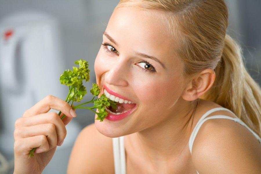 Орехи, семена: диетолог назвала продукты для здоровья кожи, зубов и волос