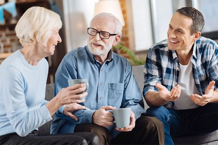 Эгоизм или нехватка внимания? Как правильно себя вести с пожилыми родителями