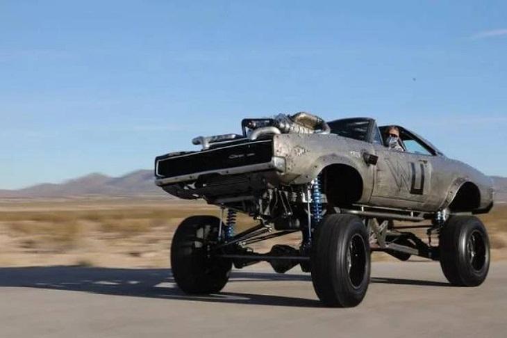 Первоапрельские машины - это не шутка! От самой маленькой до автомобиля-великана (для настоящих ценителей юмора)