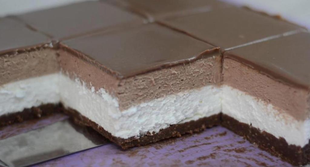 """Быстрый сливочно-шоколадный торт с """"Нутеллой"""" без выпечки: рецепт для занятых сладкоежек"""