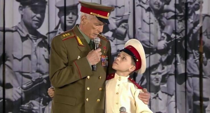 «Он должен был петь песню «О героях былых времен»: Ирина Купченко рассказала о последних мгновениях жизни Василия Ланового