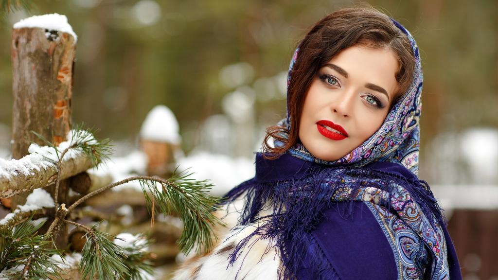 По-бабьи и по-богородицки: как русские женщины носили платки и какие секреты они могли поведать о них