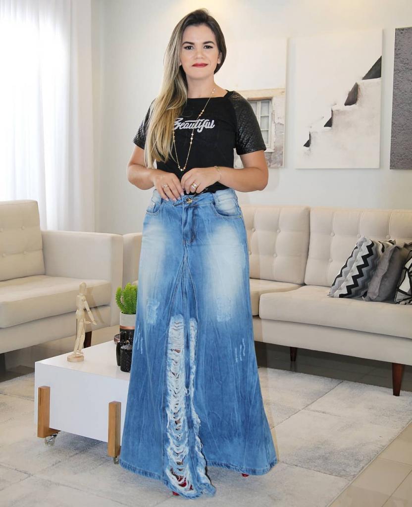 Всегда стильные образы для любых ситуаций: советы, как носить весной трендовые модели юбок макси дамам разного телосложения