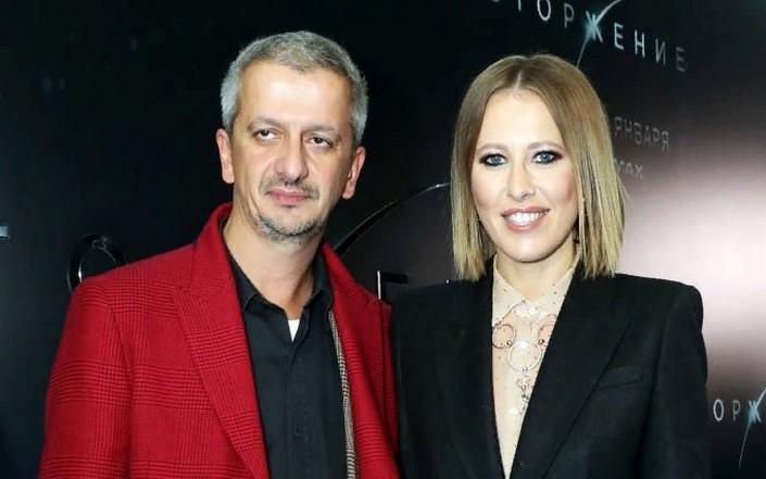 Константин Богомолов отказался вести премию «ЖАРА» с Ксенией Собчак из-за другого миллионного проекта