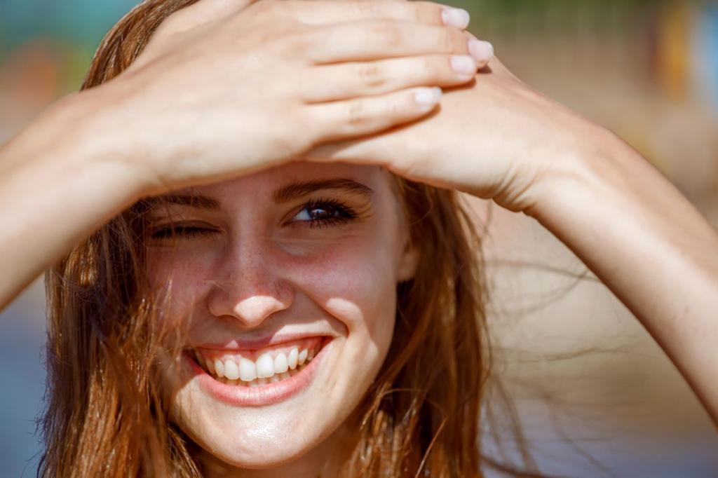 """Даже дорогой крем не спасает: 5 """"типично женских"""" ошибок, из-за которых морщины вокруг глаз становятся все заметнее (даже хороший уход не спасает)"""