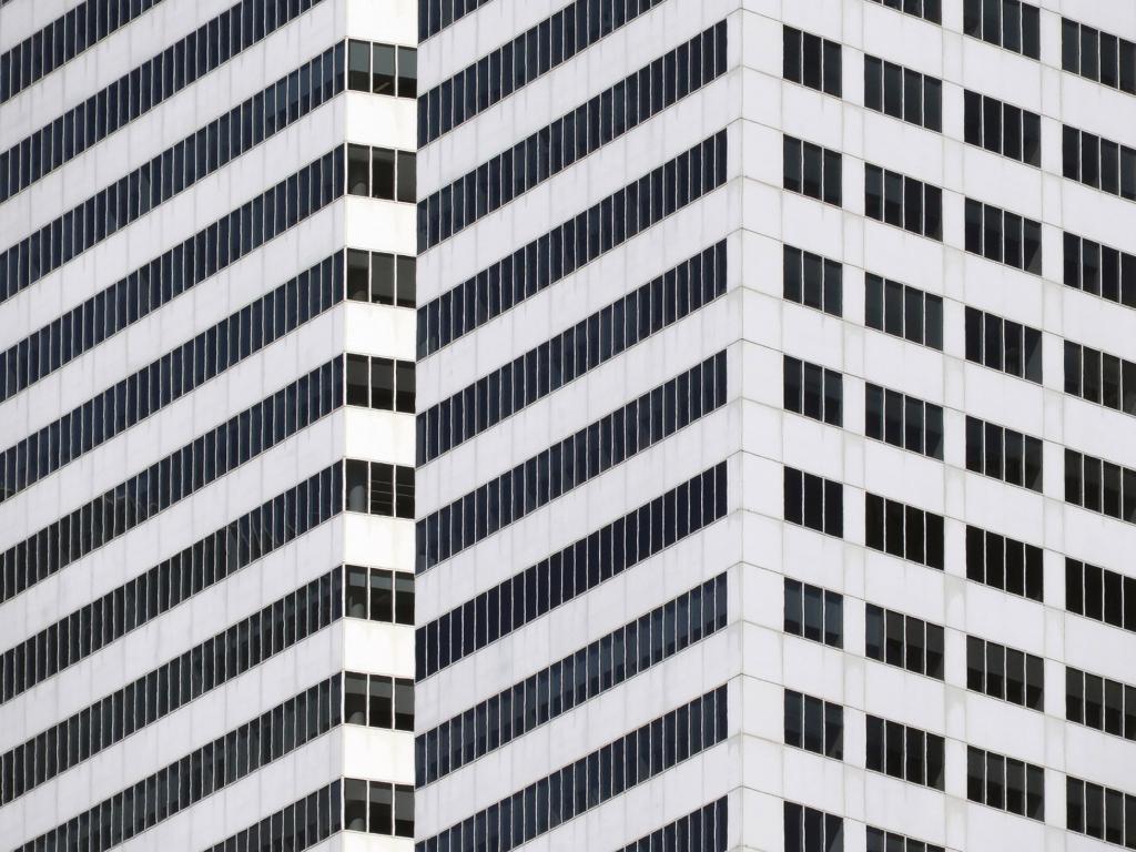 Городской фотограф Никола Олич находит поэзию даже в архитектуре: фото его работ