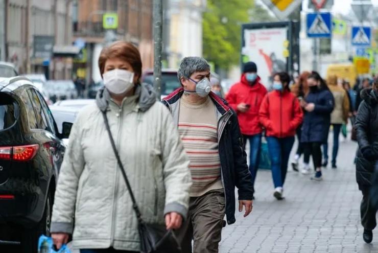 Отличная защита еще и от эпидемий гриппа: в России предложили ввести масочный режим на постоянной основе