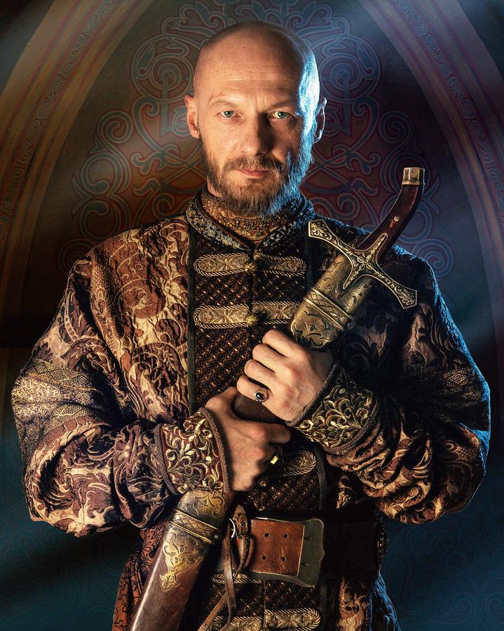Родился в украинском городке, народным артистом стал в Татарстане, а живет в Москве: как Николай Козак стал знаменитым