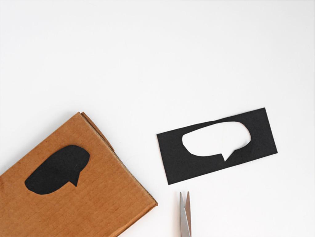 Как сделать для детей игровой ноутбук из картона. Игрушка простая, но дети с удовольствием играют с ней