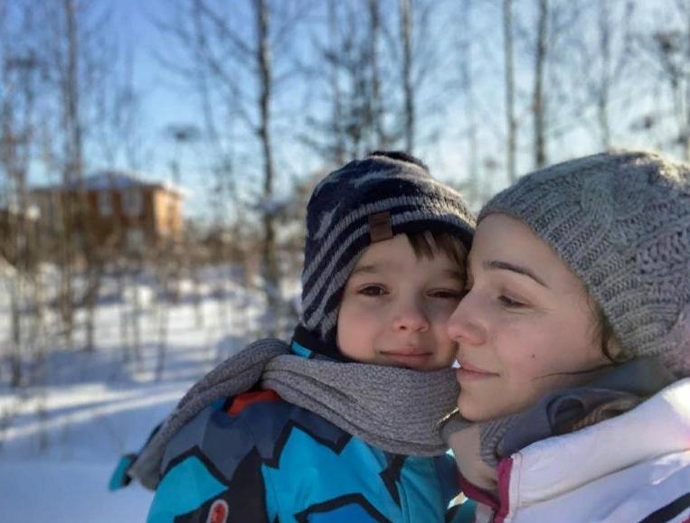 Кажется, будущее уже определено: 5-летний сын Валерии Ланской уже учится на актера (Артемий — копия мамы)