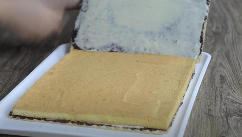Вафельно-бисквитный лимонный торт с орехами и шоколадом: можно подавать и как маленькие пирожные