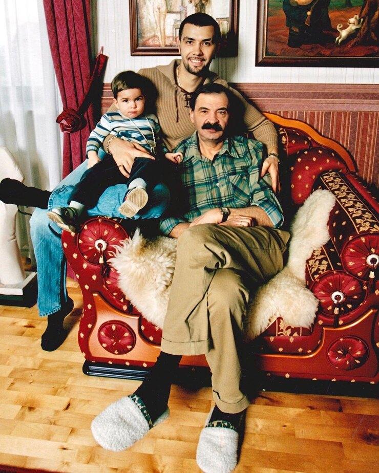 В чем Денис Клявер не хочет походить на своего отца и почему скрывал свое родство с ним