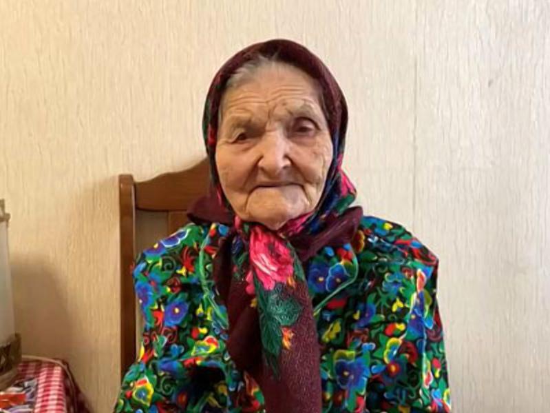 Убедительный пример для сомневающихся в безопасности вакцинации от COVID-19: в Волгограде привили 106-летнюю женщину
