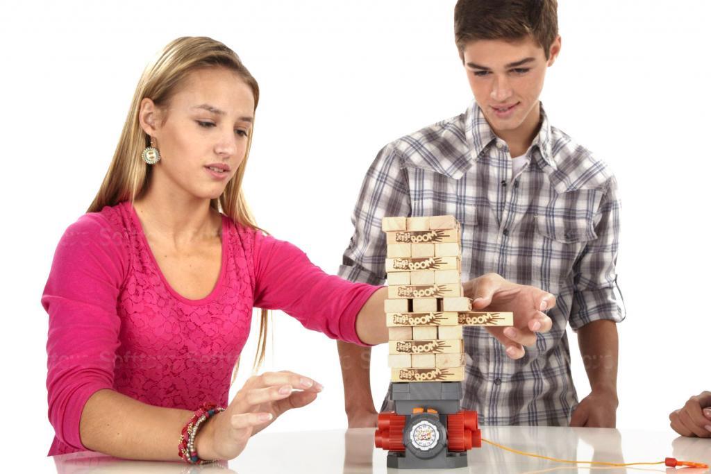 Самой популярной настольной игрой у россиян стала игра на координацию движений «Дженга»