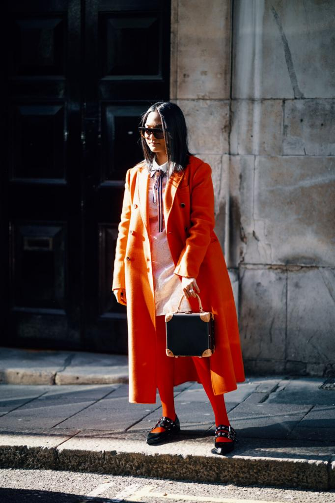 Дерзкая и винтажная уличная мода: главные стритстайл-тренды этой весны и советы по созданию образа