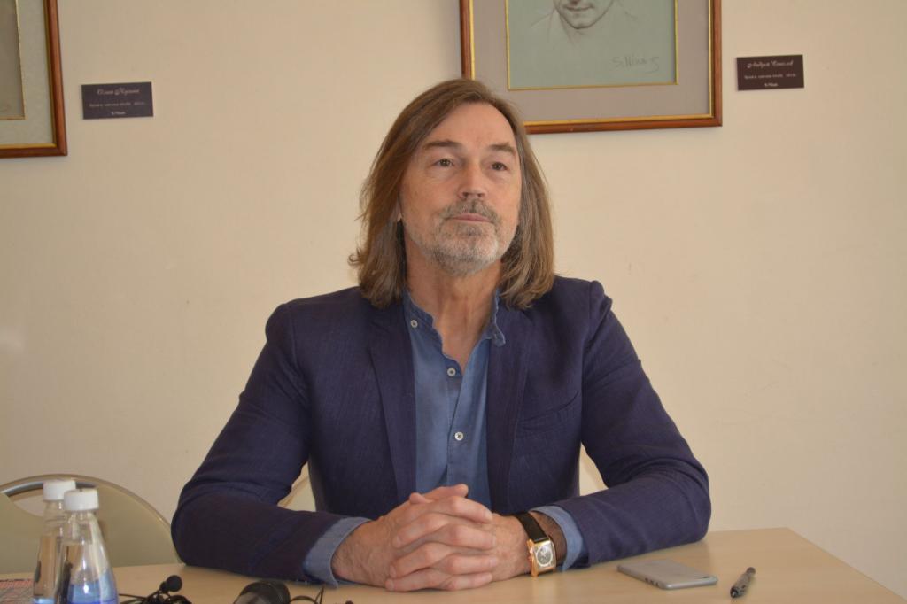 """""""Объявившихся — штук 30"""": Никас Сафронов рассказал, сколько у него детей"""