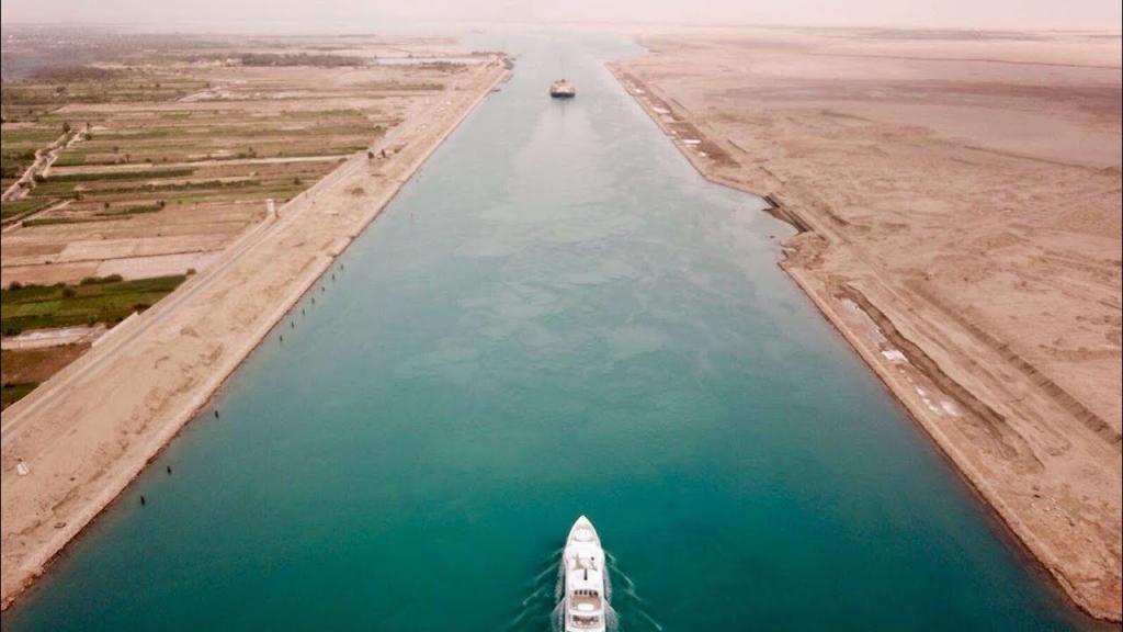 Первую женщину-капитана Египта обвинили в причастности к блокировке Суэцкого канала. Девушка молчать не стала