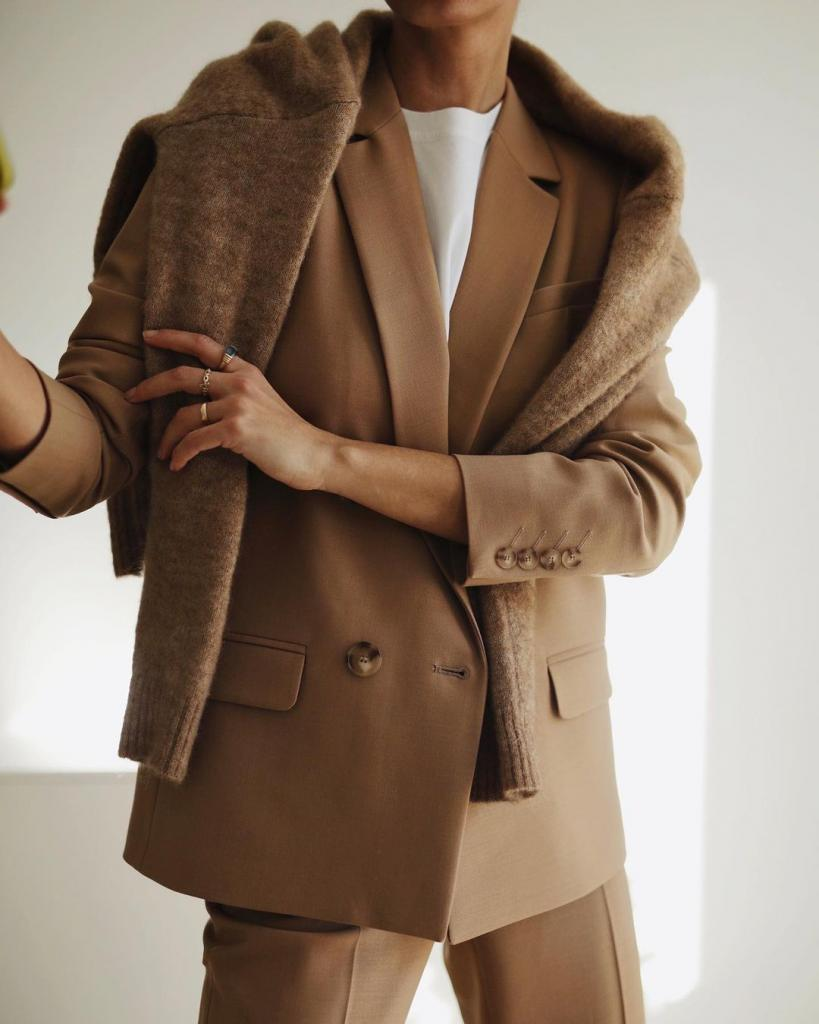 Цветовая гамма и базовые предметы гардероба: разбираем модные тенденции этой весны