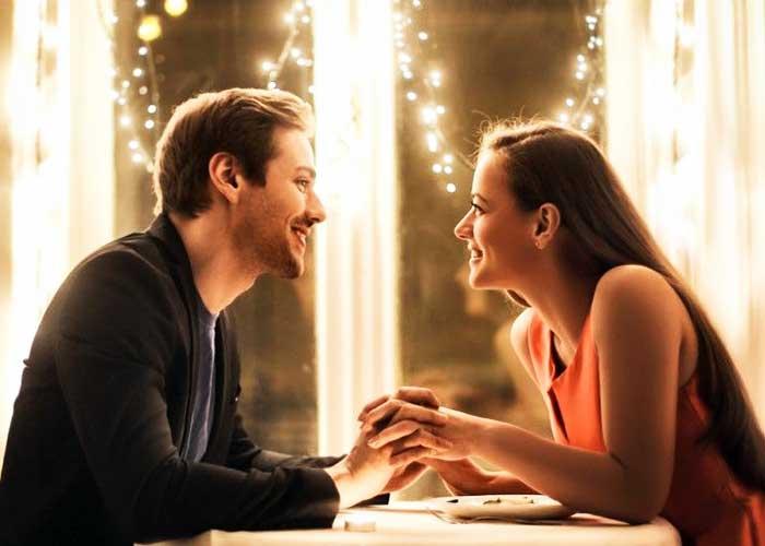 Можно ли влюбиться в человека, ни разу не встретив его в реальности: на вопрос отвечает профессиональная сваха