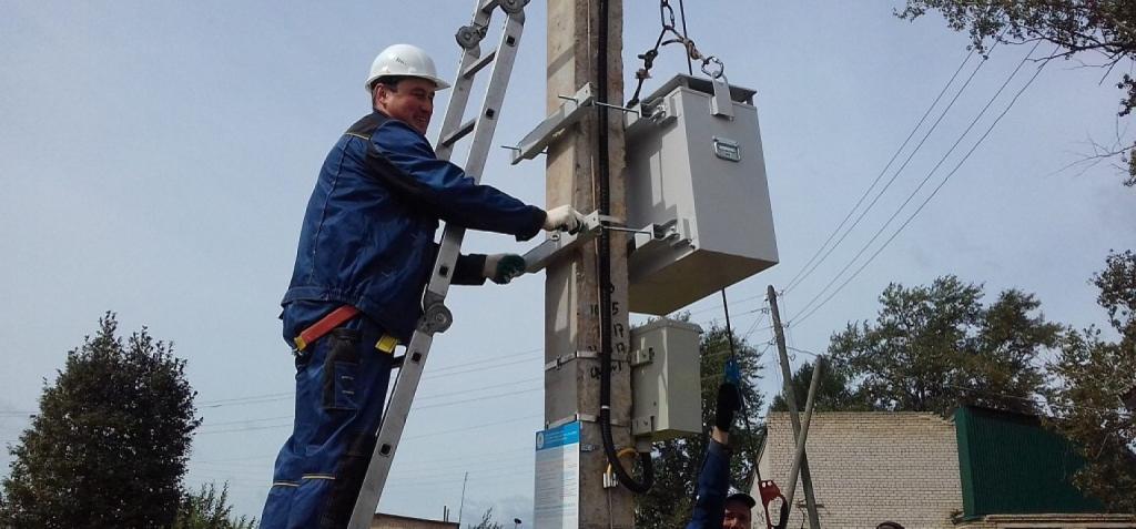 Дмитрий Чернышенко заявил, что в российских селах установят более 1 тысячи новых базовых станций для обеспечения интернетом